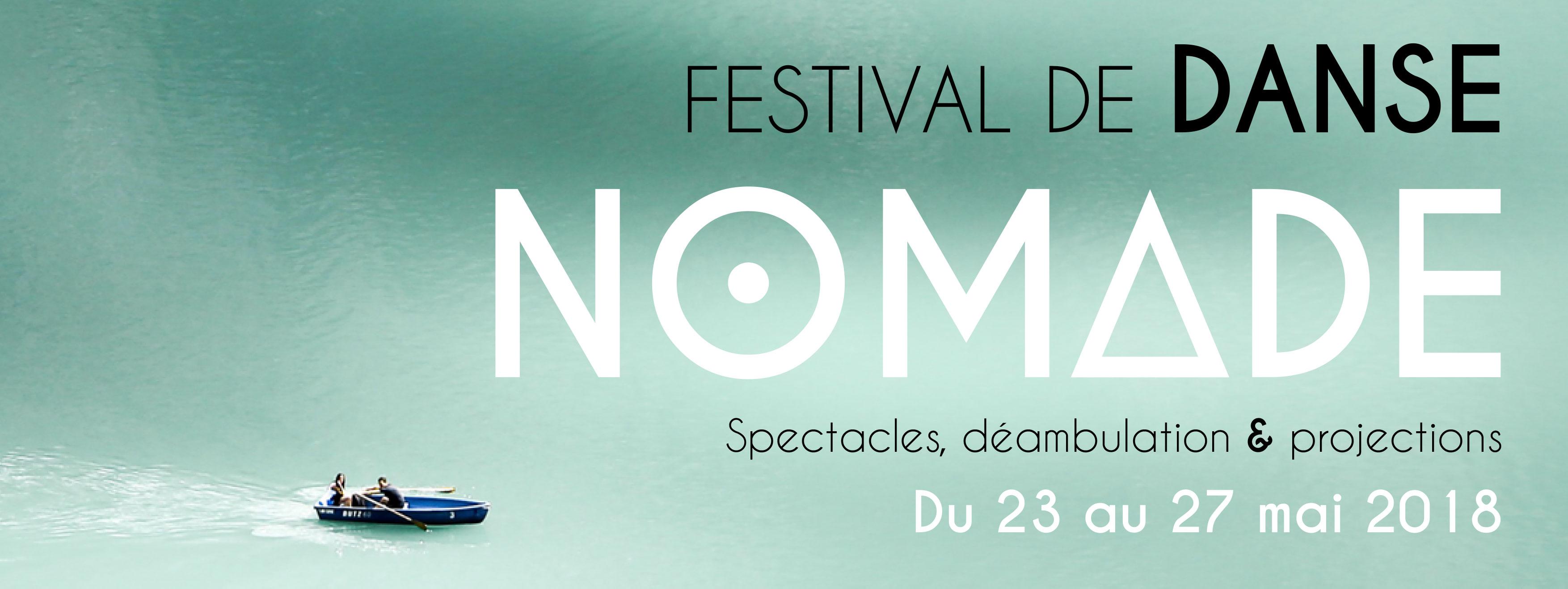 Une barque sur lac et affichage Festival de danse Nomade