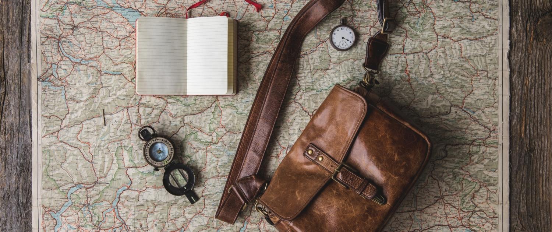 Carte et accessoires de voyage